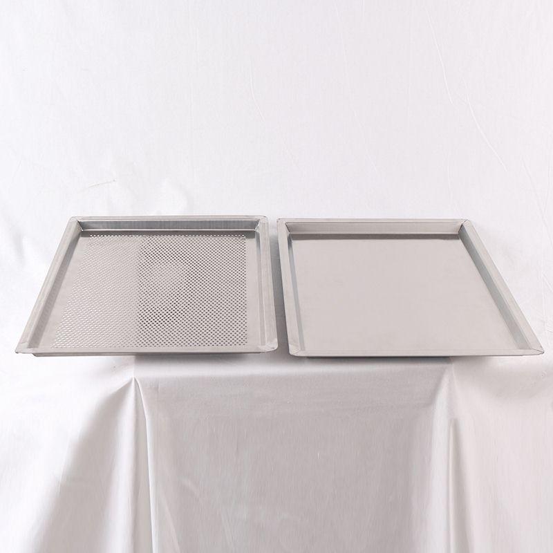 有孔烤盘与无孔烤盘图片